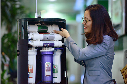 Bộ lõi chức năng tái khoáng và tạo Hydrogen trong nước, kết nối bằng cút nối nhanh dễ dàng thao tác
