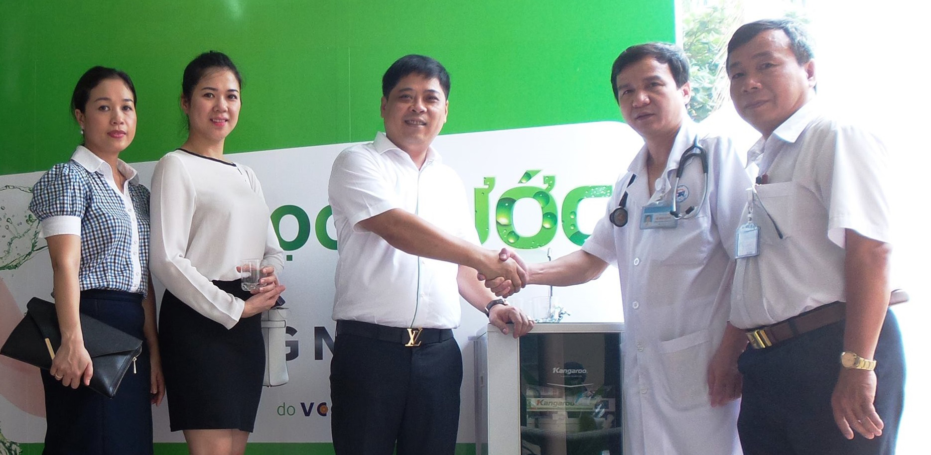 Kangaroo Group donates free water purifiers to patients at hospitals in Ho Chi Minh City