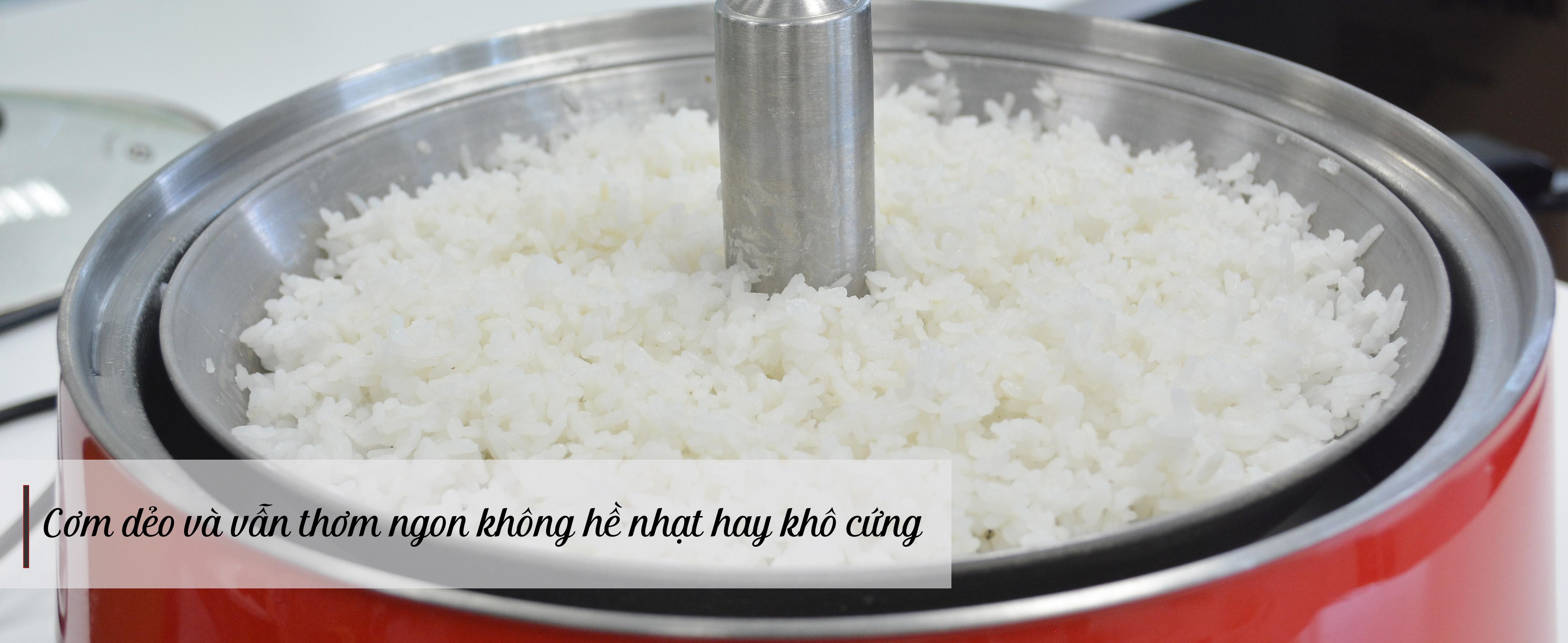Cơm khi nấu bằng chức năng cơm tách đường